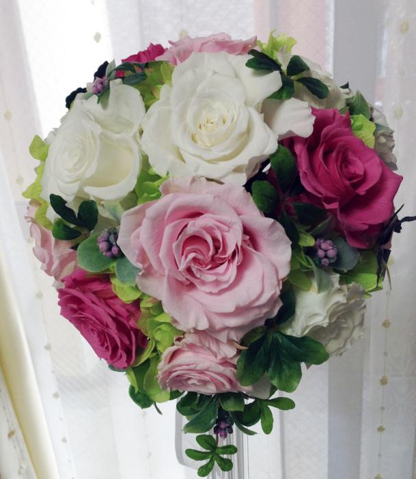 ティアドロップブーケ(ブートニア付き、ケース付き)《ピンク濃淡×ホワイト》
